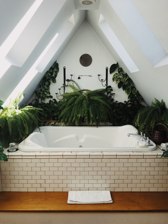 Bad Fliesen für Bäder mit Dachschräge - Fliesen von ...