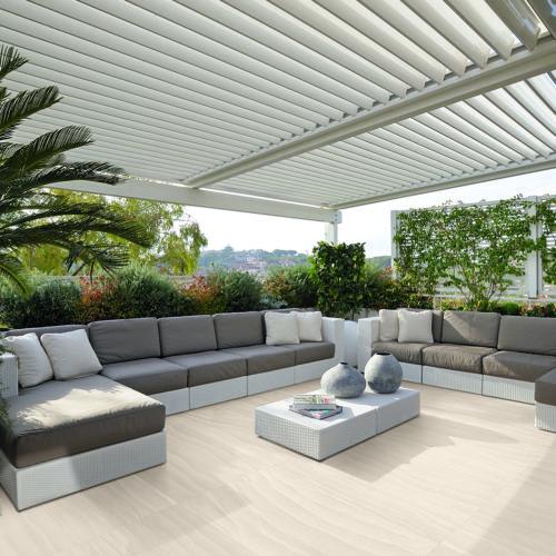 Fliesen und Feinsteinzeug für den Außenbereich, Terassen und Balkone in Holzoptik