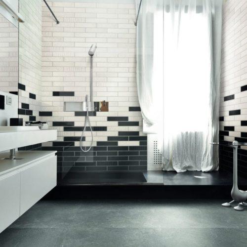 Bad in klassischen Keramikfließen - 1