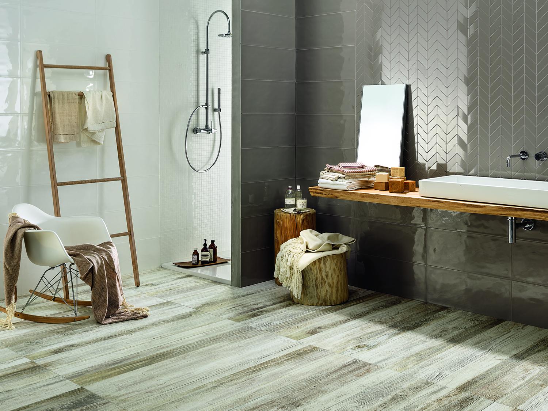 Der Münchner Fliesenhändler von hartlmaier verkauft Fliesen aus Keramik und Feinsteinzeug für das Bad in verschiedenen Optiken – z.B. Badfliesen in Naturstein-, Holz-, Metall, Betonoptik oder Mosaik.