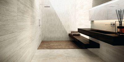 Fliesen im Großformat erzeugen selbst in kleinen Räumen ein nahezu fugenloses Verlegebild.