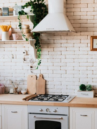 Fliesen und Feinsteinzeug für die Grüne Küche und Energiesparpotenziale.